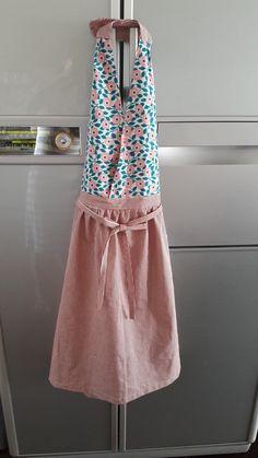 원단이 두께가 얇지도않고 두껍지도 안아 적당해서 좋아요 Quilted Curtains, Diy Clothing, Food Design, Dress Patterns, Apron, Sewing Projects, Summer Dresses, Female, My Style