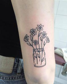 Daisy Tattoo Artist: Tara Lee