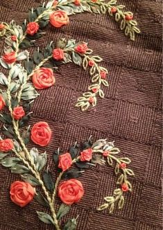 I ❤ ribbon embroidery . . . All about needlework: quilting, embroidery, sewing. ~Blog Patchnath