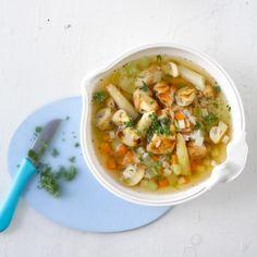 Rijstsoep met kip #WeightWatchers #WWrecept #lunch Plats Weight Watchers, Weight Watchers Meals, Weigt Watchers, Soup Recipes, Healthy Recipes, Healthy Food, Eat Smart, Thai Red Curry, Risotto