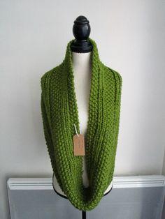 Le chouchou de ma boutique https://www.etsy.com/fr/listing/462173786/maxi-snood-couleur-vert-trefle
