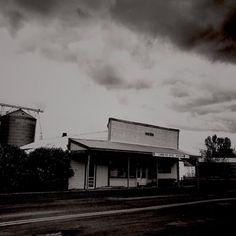 Post office Benge WA.  Population 57.  #hipstadreamers #hipstagram #hipstahub #hipstamatic #hipstography #streetphotography #streetphotographyinternational #streetscenesmag #thestreetphotographyhub #ruralamerica #igers_seattle #pacificnorthwest #pnw #tacomasnapclub #washington #architecturelovers #heritage #historical