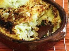Esta receita de escondidinho de camarão é para você fazer e surpreender seus convidados com uma combinação de sabores e texturas perfeita. Arranque suspiros e aplausos! #brasil #natal #anonovo #2015 #reveillon #receitas #ceia #dezembro #comida #jantar #christmas #recipe #dinner #december #food #camarao #shrimp