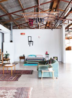 i could live here : a melbourne warehouse home.