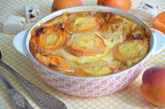 Clafoutis abricots et nougat, une jolie déclinaison du clafoutis aux abricots pleine de gourmandise et originale. Un dessert délicieux et de saison l'été.