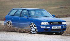 Kaufberatung: Audi RS2 Avant - Der RS2 unterscheidet sich äußerlich vor allem durch die drei großen Lufteinlässe und die Porsche-Cup-Räder von einem Audi 80 Avant