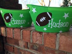 Personalized Football Tub - Sports Tub - Football Player - Gift For Coach - Book Holder - Sports Birthday - Football Bucket Football Gift Baskets, Football Locker Decorations, Football Crafts, Football Locker Signs, Football Favors, Football Decor, Football Banquet, Football Boys, Football Season