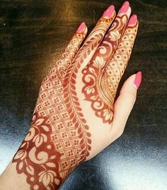 1 Mehndi Design website from India. We offer a huge collection of mehndi designs from every corner of World. Refer Latest & Arabic mehndi designs by Top Mehndi Artists. Henna Hand Designs, Dulhan Mehndi Designs, Mehandi Designs, Mehendi, Mehndi Designs Finger, Mehndi Designs Book, Mehndi Designs For Beginners, Mehndi Design Pictures, Mehndi Designs For Girls