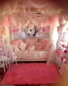 Passion for pink: Kim Wood started to decorate her home pink 15 years ago and has gone all out for Christmas Pastel Room, Pink Room, Room Ideas Bedroom, Bedroom Decor, Shabby Bedroom, Shabby Cottage, Kawaii Bedroom, Cute Room Ideas, Teen Girl Bedrooms
