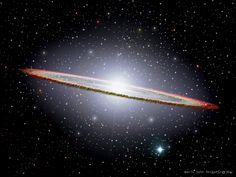 een gekke sombrero melkweg met een gekke ring en een ster