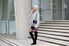 grauer Schal Stuart Weitzman, Isabel Marant, Leather Skirt, Winter, Skirts, How To Wear, Outfits, Dresses, Fashion