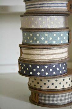 So pretty. Polka dot ribbon and stripes Little Mercerie, Mundo Craft, Coin Couture, Lace Ribbon, White Ribbon, Ribbon Embroidery, Grosgrain Ribbon, Sewing Notions, Haberdashery