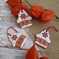 Hledání zboží: keramika / Zboží | Fler.cz Holiday Ornaments, Holiday Decor, Folk Art, December, Pottery, Clay, Ceramics, Advent, Home Decor