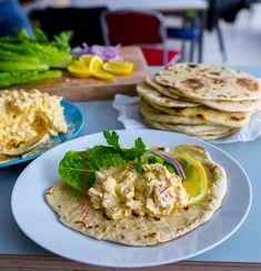 Kall Kycklingröra med curry - ZEINAS KITCHEN Sandwich Spread, Zeina, Good Food, Yummy Food, Swedish Recipes, Dessert For Dinner, Kitchen Recipes, Naan, Quick Meals