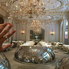 Dinner in luxury hotel? Dinner in luxury hotel? Rich Lifestyle, Luxury Lifestyle, Lifestyle Shop, Millionaire Lifestyle, Vanessa Moe, Pinterest Instagram, Pinterest Pinterest, Expensive Taste, Luxe Life