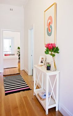 7 Small-ish Hallways That Are Maxed Out on Style (Apartment Therapy Main) Small Hallway Table, Small Hallways, Entryway Tables, Hallway Ideas, Entryway Ideas, White Entry Table, Small Entry Tables, Small Console Tables, Entrance Table