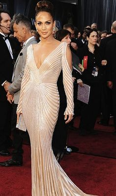 JLo's style never disappoints.  Her Zuhair Murad dress was my favorite of the 2012 Oscars.  Flawless!