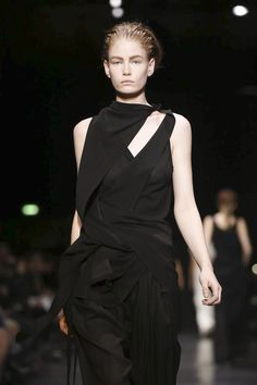 Ann Demeulemeester Ready To Wear Fall Winter 2014 Paris - NOWFASHION