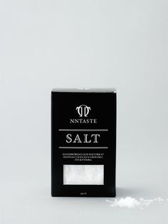 minimal packaging design and identity conception in black and white for NNTaste | packaging | Design Septemberindustry |