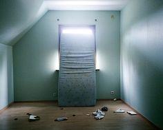 "© Isabelle Pateer, Untitled (mattress), 2010 aus der Serie ""Unsettled"" (2007 - 2012)  Courtesy Darmstädter Tage der Fotografie"