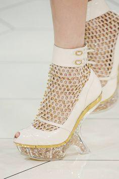 Alexander McQueen, Spring 2013 #PFW #shoes
