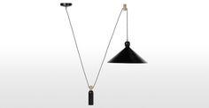 Les luminaires au design industriel de la collection Ogilvy donneront tout le caractère que votre espace de vie mérite.