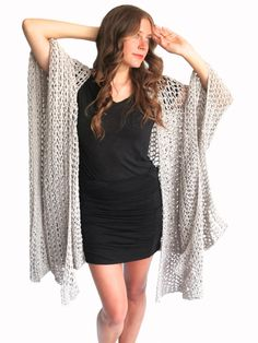 Playa Ruana Pattern by TwoOfWandsShop // crochet pattern for loose knit poncho beach cover up wrap cape cardigan ruana boho // two of wands