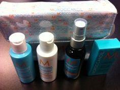 Moroccanoil Travel Size Gift Set (Includes Moisture Shampoo , Moisture Conditioner, Glimmer Shine, Oil Treatment, Gift Bag)