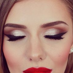 Old Hollywood make-up inspiration! Love the eyes and the lips, hate the foundation and the powder...