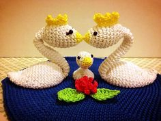 """swan family by Inbalen vote for them! amigurumi contest themed """"Parent and baby animals"""""""