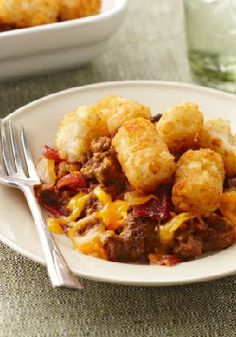 Bacon Cheeseburger Casserole – Instead of fries on the side, you get golden brown potato nuggets on top.