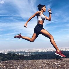 Sport photography running inspiration 64+ new ideas Fitness Workouts, Sport Fitness, Yoga Fitness, Running Workouts, Fitness Goals, Girl Running, Trail Running, Running Women, Running Track