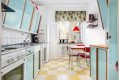 Linnévägen 24 B, Lustigknopp, Falun Kitchen Dining, Kitchen Cabinets, Home Staging, Vintage Kitchen, Home Kitchens, Sweet Home, Creative, Flooring, Interior Design