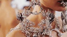 notordinaryfashion: shirinsweet:   Givenchy haute couture, spring 2012  (@)(<3)  Love