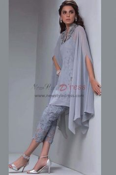 Gray Lace Mother of the bride pant suits with Overlay Mid-Calf - Prom Pantsuits - Prom Dresses Pakistani Dresses, Indian Dresses, Indian Outfits, African Fashion, Indian Fashion, Look Fashion, Womens Fashion, Fashion Design, Kaftan Designs