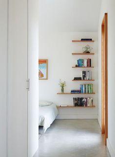Полки в дизайне интерьера спальни | Ваш интерьер
