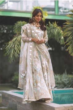 Iqra Aziz's latest photo shoot with fiancé Yasir Hussain Asian Wedding Dress Pakistani, Pakistani Party Wear Dresses, Pakistani Fashion Casual, Indian Bridal Outfits, Pakistani Dress Design, Indian Designer Outfits, Pakistani Outfits, Muslim Fashion, Indian Fashion