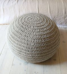 Items similar to Reserved for belen Vitoria - Pouf Crochet big ecru on Etsy Crochet Pouf, Hand Crochet, Spiral Crochet, Knitted Pouf, Floor Pouf, Floor Cushions, Stool Covers, Yarn Thread, Crochet Projects