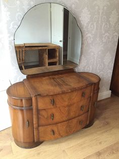 Antique vintage Art Deco dressing table / chest of drawers Art Deco Furniture, Wooden Furniture, Vintage Furniture, Art Deco Dressing Table, Vintage Dressing Tables, Dressing Table And Chest Of Drawers, Vanities, Hope Chest, Absolutely Stunning