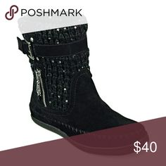 Guess Sweater Boots G By Guess Black Ruddy Boots Knit Moc boots. Textile upper adorned with a few sequins. Flat heels. G by Guess Shoes Ankle Boots & Booties