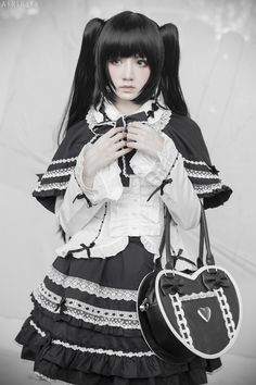 Cute Black and White Gothic Lolita Dress / Fashion Photography / Gothique Girl / Cosplay // ♥ Style Lolita, Mode Lolita, Gothic Lolita Dress, Gothic Lolita Fashion, Lolita Cosplay, Kawaii Cosplay, Cosplay Anime, Cosplay Girls, Harajuku Fashion