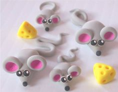 Small Mouse Family with Cheese FIMO and par FlutteringFlowers, $6.00