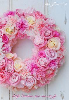 バイカラーの花達で プリザーブドフラワー春のリース 花時間プ*リ*ザvol.9掲載 Preserved flower wreath in spring color FLORAFLORA*precious flowers*ウェディングブーケ会場装花&フラワースクール*