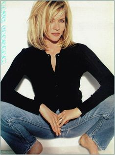 Kate Capshaw Bio Photos And Updates PicturesFine hair getting you down? A cut can make all the difference! Find out which styles our editors voted as the best haircuts for thin hair, now.If I were going to cut it short this is as short as I would Thin Hair Cuts, Medium Hair Cuts, Medium Hair Styles, Long Hair Styles, Medium Short Layered Hair, Kate Capshaw, Chic Short Hair, Short Haircut Styles, Corte Y Color