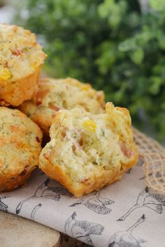 A super easy savoury muffins recipe made with ham, corn, cheese and chives... perfect for lunch boxes, as a side to a bowl of soup or on their own! Printable Thermomix and conventional recipe cards included.
