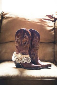 Cute cowboy boot - garter belt photo idea for a country wedding.