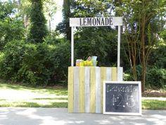inexpensive lemonade stand