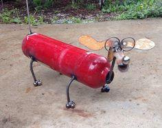 Fire extinguisher dog recycled garden yard art - All About Garden Welding Art Projects, Metal Art Projects, Metal Crafts, Metal Sculpture Artists, Steel Sculpture, Sculpture Ideas, Art Sculptures, Metal Yard Art, Scrap Metal Art