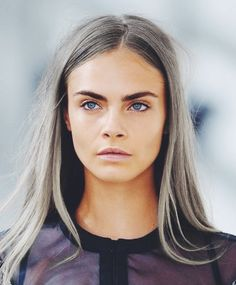 The 7 Best Beauty Investments for Yourself - The Everygirl Cara Delevingne got her hair did grey! Cara Delevingne, Hair Color Auburn, Auburn Hair, Hair Colour, Eyebrow Growth Oil, Pelo Color Plata, Silver Grey Hair, Gray Hair, White Hair
