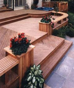Insanely Cool Multi Level Deck Ideas For Your Home! Best Multi Level Deck Design Ideas For Your Tiered Deck, Deck Steps, Laying Decking, Deck Construction, Diy Deck, Deck Plans, Decks And Porches, Building A Deck, Patio Design